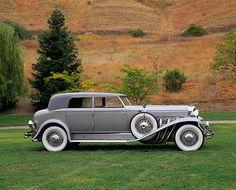 Vintage Cars 1934 Duesenberg Model J Rollston Sport Sedan Luxury Automotive, Automotive Design, Vintage Cars, Antique Cars, Vintage Room, Duesenberg Car, Sports Sedan, Dream Garage, Old Cars