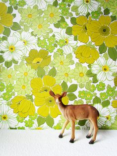 Reserved for Jessica Vintage Groovy Green Daisy Wallpaper