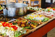 大原野菜のおばんざい・サラダバイキング付き京都「大原リバーサイドカフェ 来隣」