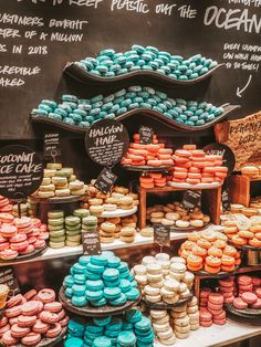 The World's Largest Lush Store – Liverpool multicolour solid shampoo bars at Lush, Liverpool<br> Everything you need to know about the world's largest Lush Store. You're going to want to book a ticket to Liverpool straight away! The Body Shop, Liverpool, Lush Aesthetic, Lush Store, Solid Shampoo, Lush Shampoo Bar, Lush Bath Bombs, Soap Display, Lush Products