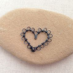 Lisa Yang's Jewelry Blog: More Wire Heart Jewelry Designs From Free Heart Tutorial