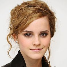 Looking for Emma Watson hairstyles Through The Years? Form short to long Emma Watson hairstyles we got it all. Access Emma Watson hairstyles photos and pick yours. Cool Hairstyles For Girls, Teen Hairstyles, African Hairstyles, Celebrity Hairstyles, Natural Braided Hairstyles, Plaits Hairstyles, Bohemian Hairstyles, Frontal Hairstyles, Hair Color Auburn