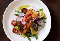 Salmon is the fish people usually feel most comfortable with in the kitchen. For this recipe, all you do is cook the fillet 2 to 3 minutes on each side, whip up an easy green bean and radish salad, and drizzle balsamic vinaigrette on everything. Low Carb Dinner Recipes, Quick Recipes, Clean Eating Recipes, Quick Meals, Fish Recipes, Seafood Recipes, Cooking Recipes, Healthy Recipes, Supper Recipes