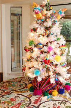 Feliz Navidad Tree and Treetopia's White Tree Mystery Giveaway!