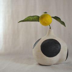 Flower vase 5 by Yoko Komae