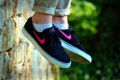 Nike SB Janoski - Black/Pink - 2013 (by Konrad Radek)