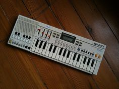 Every 80's kid loved the #casiotone I learned to play twinkle little star on this. The first song I learned.
