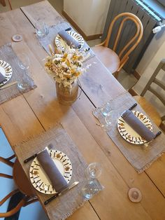 Table D Hote, Table Decorations, Furniture, Home Decor, Sustainable Tourism, Home, Decoration Home, Room Decor, Home Furnishings