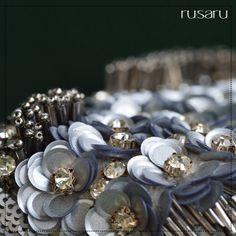 "57 отметок «Нравится», 4 комментариев — Rusaru Couture Clutches & Bags (@ru.saru) в Instagram: «""Luxury is in each detail"" - Givenchy #rusaru #clutch #clutchbag #boxclutch #designerbags #details…»"