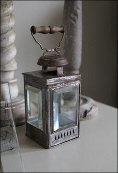 Love the beveled glass in the lantern. Chandeliers, Old Lanterns, Mood Light, Vintage Soul, Candels, Beveled Glass, Vintage Lighting, Siena, Clear Glass