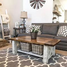 Magnolia Homes Decor Ideas - Chunky Farmhouse Coffee Table - DIY Decor Inspired .Magnolia Homes Decor Ideas - Chunky Farmhouse Coffee Table - DIY Decor Inspired by Chip and Joanna Gaines - Fixer Upper Dining Room, Coffee Tables, Li. Modern Farmhouse Living Room Decor, Diy Home Decor Rustic, Home Living Room, Living Room Designs, Rustic Homes, Apartment Living, Modern Room, Country Style Living Room, Bedroom Designs