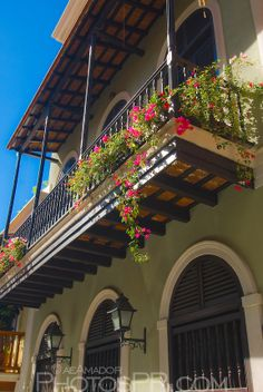 Green house - Calle Cruz - Old San Juan - Puerto Rico.