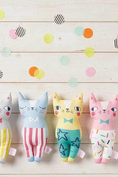 There they are standing in a row, row, row, row… Fabric cats plush toys for kids available in the Mollie Makes Shop. Fabric Animals, Fabric Birds, Felt Animals, Toddler Gifts, Kids Gifts, Craft Projects, Sewing Projects, Hamster, Kawaii