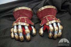 """Эксклюзивные перчатки-песочные часы """"Королевская гвардия"""""""