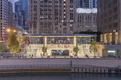 Gallery of Apple Store Michigan Avenue, Chicago / Foster + Partners - 3
