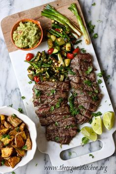 Grilled Skirt Steak and Veggies with Guacamole : Gluten, grain and dairy free| The Organic Kitchen Blog and Tutorials