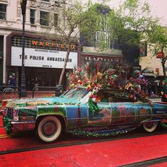 #polishartist #polishart #diplomacy #ambassador #msz #ministerstwosprawzagranicznych #sanfrancisco #sf #california #marketstreet #car #vintage #hippie #flowers #keepsanfranciscoweird #photooftheday #nofilter by tytcyt