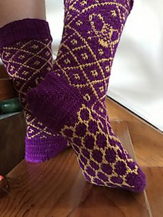 Ravelry: Bee Hive Socks pattern by Cathy Jones