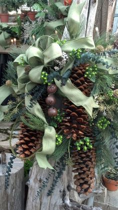 There are lot of ways to decorate your house on this Christmas. Here is a collection of top green Christmas decorations that will help and [. Natural Christmas, Green Christmas, Country Christmas, Beautiful Christmas, Winter Christmas, All Things Christmas, Christmas Holidays, Christmas Crafts, Christmas Decorations