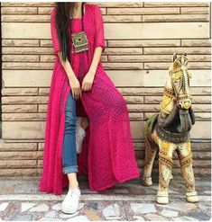 This post features New trendy ways to wear kurti with jeans and explore how to wear slit, short, long kurti and peplum with jeans. Indian Fashion Dresses, Dress Indian Style, Indian Designer Outfits, Indian Outfits, Designer Dresses, Fashion Outfits, Pink Fashion, Indian Designers, Pakistani Dresses Casual