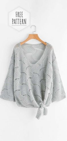Knitting İdeas - Crochet V-neck Blouse Free Pattern - My Popular PhotoLegend: In the patterns, where in the purl rows need to make a scale, 2 or 3 loops together it is nHäkeln Sie V-Ausschnitt Bluse Free Pattern patterns de tricot de tejer di maglieria T-shirt Au Crochet, Pull Crochet, Crochet Blouse, Crochet Summer, Knitting Patterns Free, Crochet Patterns, Crochet Jumper Free Pattern, Beanie Pattern, Sewing Shirts