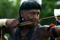 Brazil |  An Enawene Nawe Indian tribesman |  The Enawene Nawe are a small Amazonian tribe who live in the forests of Mato Grosso state, Brazil.  |   © Edmar Melo