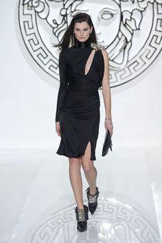 Versace Runway | Fashion Week Fall 2013 Photos