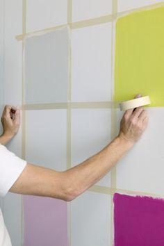 Schachbrettmuster an der Wand mit Farbe erstellen