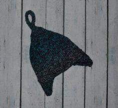 0-6m in 100% fine merino wool; knit