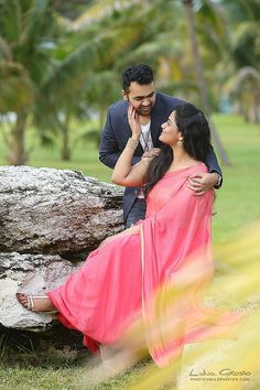 New Ideas Wedding Couple Pictures Indian Indian Wedding Poses, Indian Wedding Couple Photography, Pre Wedding Poses, Indian Wedding Photographer, Couple Photography Poses, Wedding Couples, Photography Ideas, Village Photography, Photo Poses For Couples