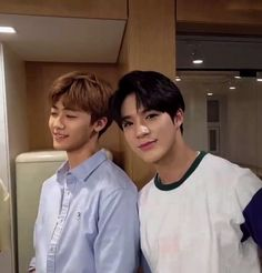 Image discovered by 𝘫𝘢𝘦-𝘮. Find images and videos about kpop, boys and icon on We Heart It - the app to get lost in what you love. Love And Co, Kpop Couples, Jeno Nct, Two Best Friends, Na Jaemin, Fine Men, Best Couple, No Name, Beautiful Moments