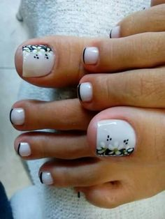 toe nail art designs to keep up with trends 39 Cute Toe Nails, Pretty Toe Nails, Pedicure Nail Art, Toe Nail Art, Pedicure Colors, Nail Nail, Acrylic Nails, Cute Pedicures, Party Make-up