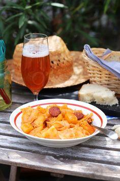 A legjobb bográcsos kaja: slambuc Alcoholic Drinks, Wellness, Wine, Street, Ethnic Recipes, Kitchen, Food, Cuisine, Alcoholic Beverages