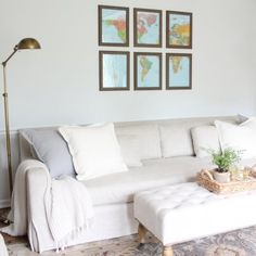 Create a gallery wall with a map! Get the diy details & tutorial. I'd like it black and white Living Spaces, Living Room, Wall Maps, Diy Projects To Try, Cozy House, Diy Art, Family Room, Gallery Wall, Diy Decoration