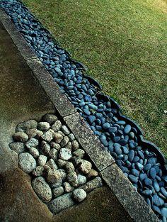 Kannon-in in Tottori, Japan. River rocks. Garden Edging, Garden Borders, Garden Paths, Garden Art, Garden Landscaping, Japanese Architecture, Landscape Architecture, Landscape Design, Tottori