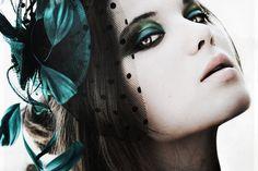 """""""makeupholicsuite:  (via walkinmyeyeshadow)  """""""