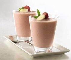 Easy fruit smoothie recipe. A deliciously refreshing dessert! #healthy