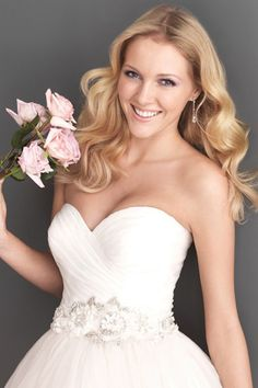 Simple Sweetheart A Line Wdedding Dresses Embellished With Beads Tulle