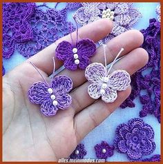 Crochet butterfly pattern by bautawitch – Artofit You can find more step by step here: Crochet flowers No photo description available. Crochet Diy, Crochet Birds, Crochet Motifs, Crochet Crafts, Crochet Doilies, Crochet Stitches, Diy Crafts, Crochet Chain, Crochet Butterfly Free Pattern