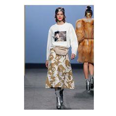 RECAP. Miguel Marinero . La firma se basa en la década de los 80 para componer una colección donde predominan los diseños de noche. En ese sentido las siluetas marcan hombros y se declinan en tamaño XXL especialmente americanas y abrigos recordándonos los excesos de aquella década. #mbfw #fashionweek #lofficieles  via L'OFFICIEL SPAIN MAGAZINE INSTAGRAM -Fashion Campaigns  Haute Couture  Advertising  Editorial Photography  Magazine Cover Designs  Supermodels  Runway Models