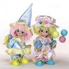 Precious Moments clowns - My site Life Is Precious, Precious Moments Figurines, Porcelain Jewelry, Porcelain Doll, China Dinnerware Sets, Cute Clown, Send In The Clowns, Scary Clowns, Vinyl Dolls