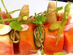 Ensalada de tomate valenciano y ventresca de atún Reserva online para comer ensalada. EligeTuPlato.es