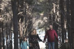Family photo shoot at Yellagonga Regional Park in the Perth northern suburbs.  #perthweddingphotographer #millenphoto
