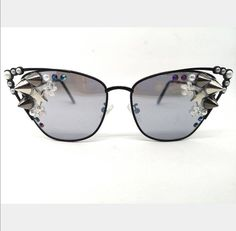 Women's BLACK and Pearl Retro Style Vintage Sunglasses, Festival Designer Unique Rimless Sunglasses Rave Accessories, Sunglasses Accessories, Festival Sunglasses, Diy Glasses, Rave Clothing, Burning Man Outfits, Funky Outfits, Vintage Sunglasses, Festival Outfits
