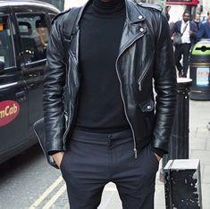 cu helanca si pantaloni stofa negrii...sau blugi negri Tommy sau J&J (cu pantofii Oxford sau adidasi albi) sau pantalonii HM bob orez gri inchis bleumarin?....sau ghete Helenio Damien pentru contrast!