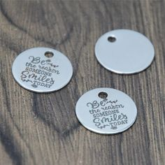 10pcs//lot In every job that must be done there is charm silver tone pedant 20mm