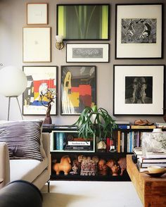 Living room gallery wall travel display pottery bohemian interior design in Bohemian Interior Design, Decor Interior Design, Interior Decorating, Home Art, Interior Architecture, Decoration, Wall Decor, Diy Wall, Sweet Home