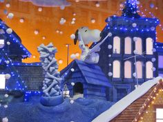 SNOOPY WAITS FOR SANTA ON HIS ROOFTOP - MACY'S
