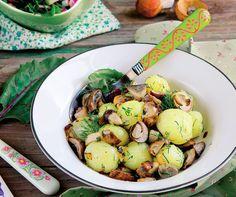Cartofi noi cu ciuperci Sprouts, Potato Salad, Potatoes, Vegetables, Ethnic Recipes, Food, Potato, Essen, Vegetable Recipes