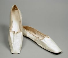 1850, probably America - Pair of Woman's Slippers - Kid leather, leather, linen twill